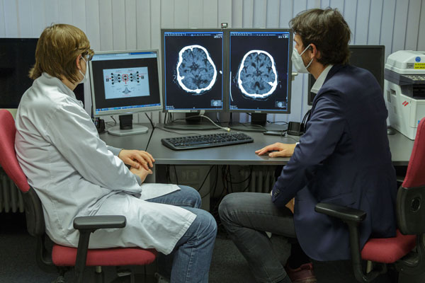 Mehr Vertrauen in Künstliche Intelligenz: Was es dafür in der Medizin braucht